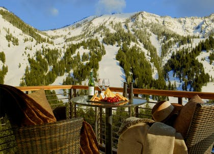 Suite Balcony Winter Mountain View | Hotel Terra Jackson Hole - A Noble House Resort