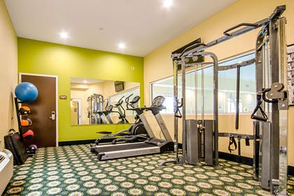 Fitness center | Quality Inn & Suites Glenmont - Albany South