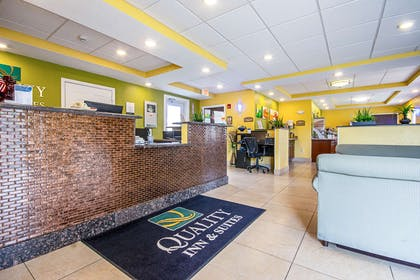 Spacious lobby | Quality Inn & Suites Glenmont - Albany South