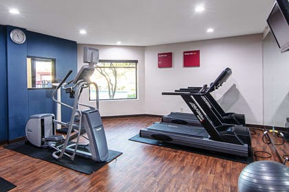Fitness center | Comfort Suites NW Dallas Near Love Field
