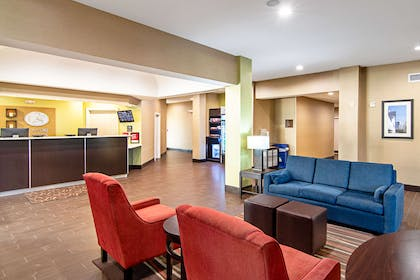 Hotel lobby | Comfort Suites NW Dallas Near Love Field