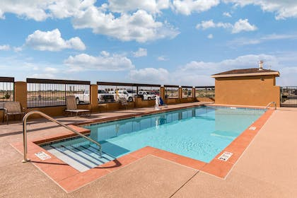 Outdoor pool | Quality Inn And Suites