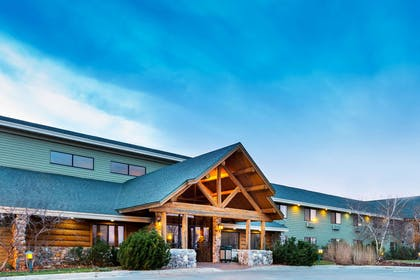 Exterior | AmericInn by Wyndham Chamberlain Conference Center