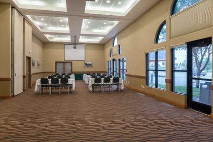 Meeting Room | AmericInn by Wyndham Valley City - Conference Center