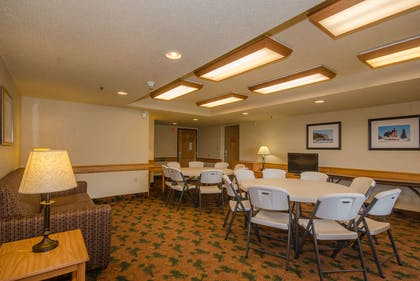 Meeting Room | AmericInn by Wyndham Silver Bay