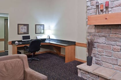 Business Center | Americinn by Wyndham Lincoln South