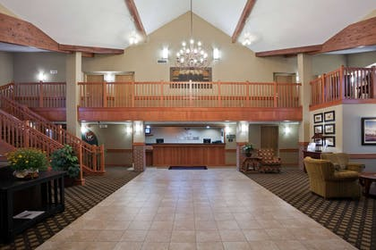 Lobby   AmericInn by Wyndham Fort Pierre - Conference Center