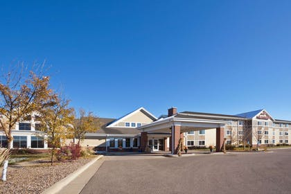 Exterior   AmericInn by Wyndham Fort Pierre - Conference Center