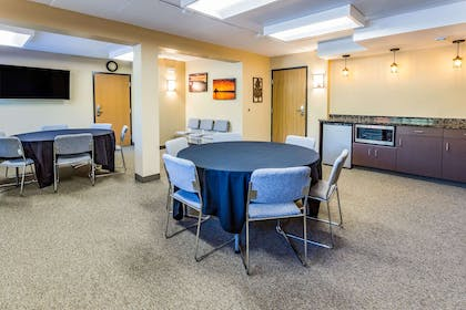 Meeting Room | AmericInn by Wyndham Duluth South Black Woods Event Center