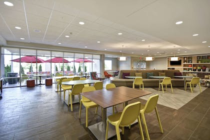 Lobby | Home2 Suites by Hilton Queensbury Glens Falls