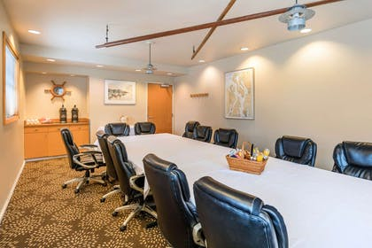Meeting room | Inn at Port Gardner, an Ascend Hotel Collection Member