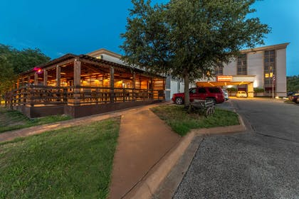 Exterior | Red Lion Hotel San Angelo