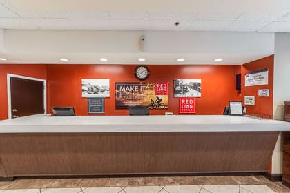 Lobby Front Desk | Red Lion Hotel San Angelo
