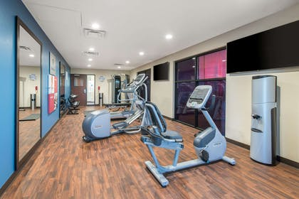 Fitness center | Comfort Suites Denver International Airport