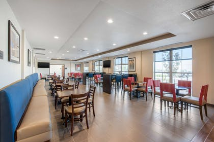 Spacious breakfast area | Comfort Suites Denver International Airport