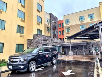 Best Western Premier Hotel at Fisher's Landing - Courtesy Vehicle | Best Western Premier Hotel at Fisher's Landing