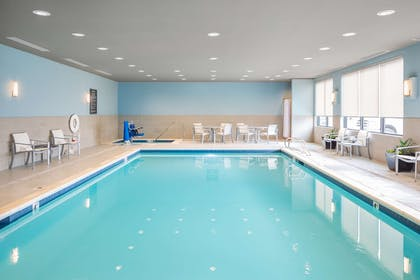 Indoor Heated Pool Hot Tub | Best Western Premier Hotel at Fisher's Landing