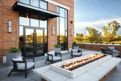 Restaurant | Embassy Suites by Hilton South Bend at Notre Dame