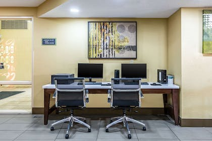 Business center | Quality Inn & Suites Southport