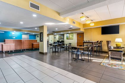 Hotel lobby | Quality Inn & Suites Southport