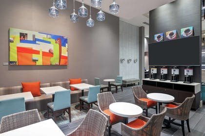 Lobby | Hampton Inn & Suites Atlanta Buckhead Place