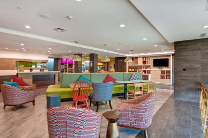Lobby | Home2 Suites by Hilton Hot Springs