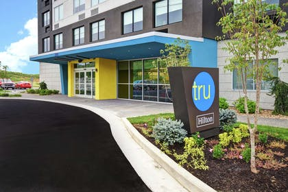 Exterior | Tru by Hilton Pigeon Forge, TN