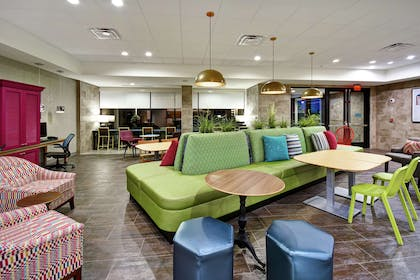 Lobby | Home2 Suites by Hilton Frankfort