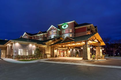 Exterior   Black Fox Lodge Pigeon Forge, Tapestry Collection by Hilton