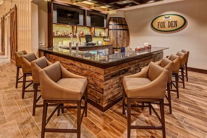 BarLounge | Black Fox Lodge Pigeon Forge, Tapestry Collection by Hilton