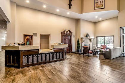 Spacious lobby with sitting area | Riverview Inn & Suites, an Ascend Hotel Collection Member