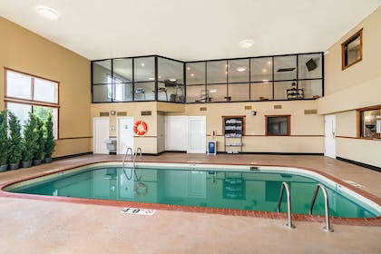 Indoor pool | Riverview Inn & Suites, an Ascend Hotel Collection Member