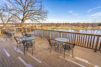 Outdoor Deck | Riverview Inn & Suites, an Ascend Hotel Collection Member