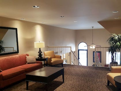 Lobby and Guest Check-in   Extended Stay America Dayton - South