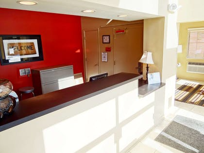 Lobby and Guest Check-in | Extended Stay America - Raleigh - Cary - Harrison Ave.