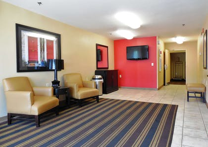 Lobby and Guest Check-in | Extended Stay America - Raleigh-Research Triangle Park-Hwy54