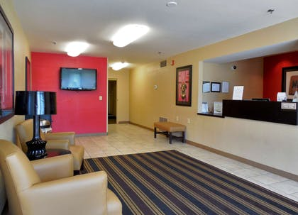Lobby and Guest Check-in | Extended Stay America - Oklahoma City - Northwest