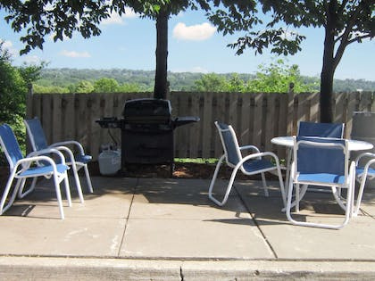 Picnic Area | Extended Stay America - Des Moines - West Des Moines
