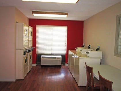 On-Premise Guest Laundry | Extended Stay America - Houston - Med Ctr - NRG Park - Kirby