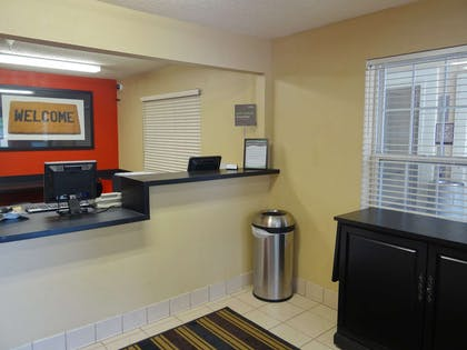 Lobby and Guest Check-in   Extended Stay America - Raleigh - RDU Airport