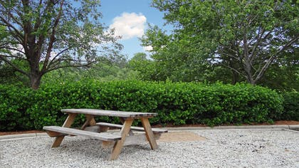 Picnic Area   Extended Stay America - Raleigh - RDU Airport