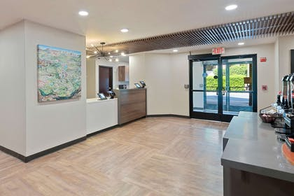 Lobby and Guest Check-in | Extended Stay America - Charlotte - Tyvola Rd.