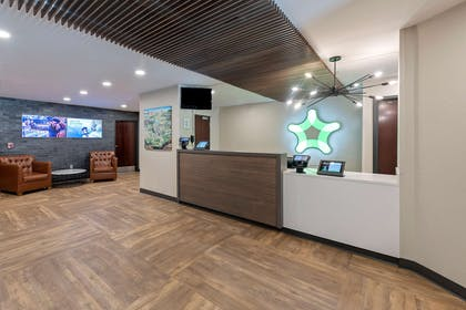 Lobby and Guest Check-in | Extended Stay America - Charlotte - Pineville - Park Rd