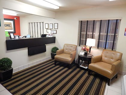 Lobby and Guest Check-in | Extended Stay America Gainesville - I-75
