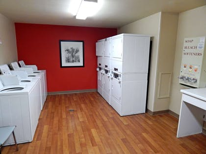 On-Premise Guest Laundry | Extended Stay America Gainesville - I-75