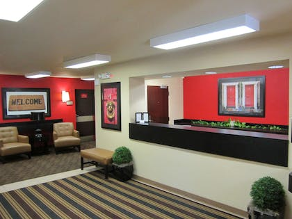 Lobby and Guest Check-in | Extended Stay America Orange County - Lake Forest