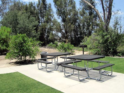 Picnic Area | Extended Stay America Orange County - Lake Forest