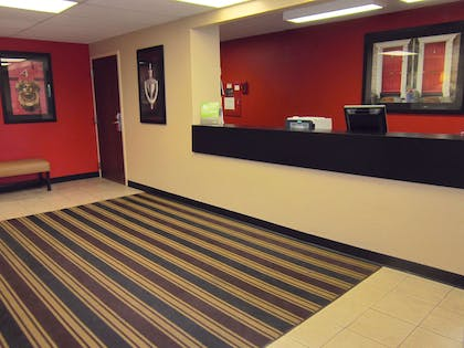 Lobby and Guest Check-in | Extended Stay America - Rochester - Henrietta