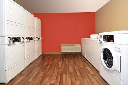 On-Premise Guest Laundry   Extended Stay America Chicago - Burr Ridge