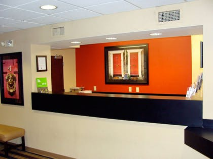 Lobby and Guest Check-in   Extended Stay America - Edison - Raritan Center